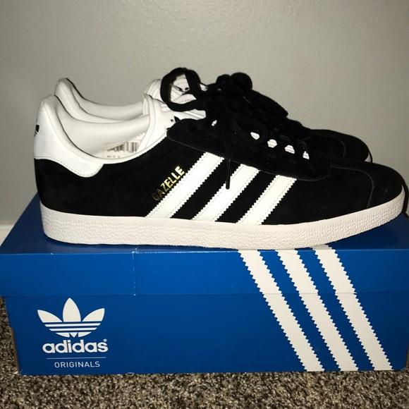 le adidas bianco e nero e scarpe da ginnastica poshmark gazzella